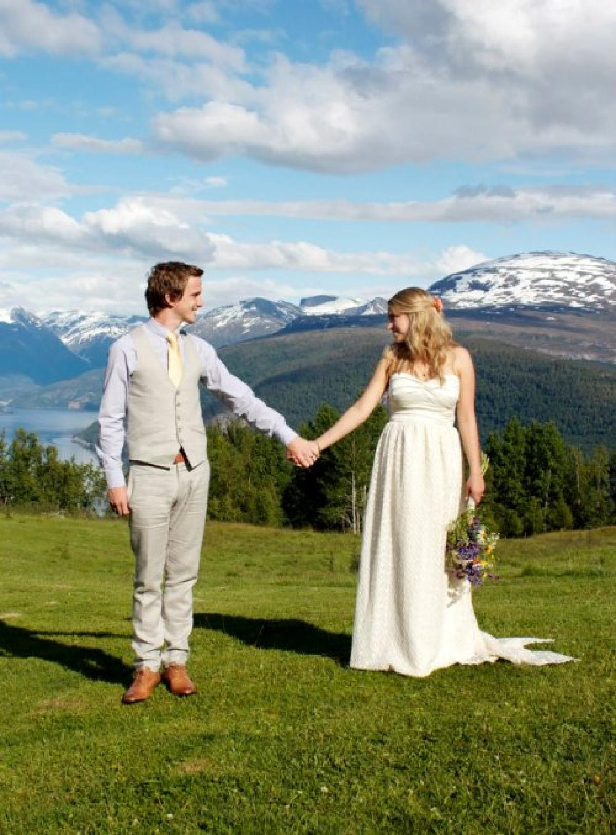 Kelsey and Luke, Wedding in Stryn, 04th July 2012