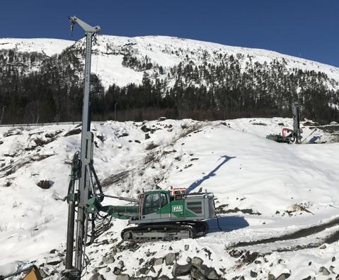 Boring av Ø400 rør for Bergselvbrua, Krokstadøra