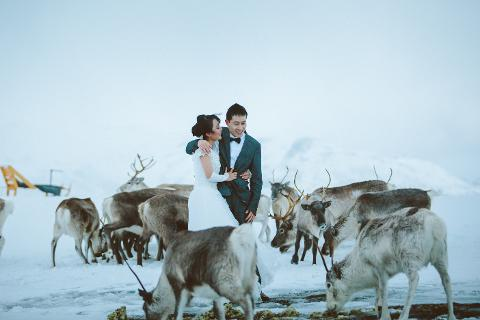 Winter elopement for two